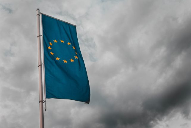 EU introduces licensing of crypto exchanges & custodian wallets