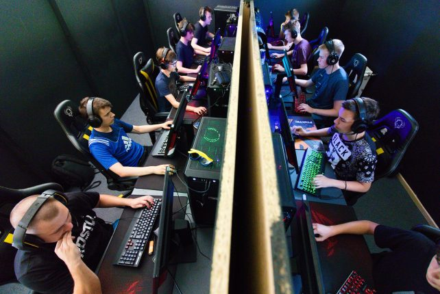 eSports – the rapid growth of a young but popular industry